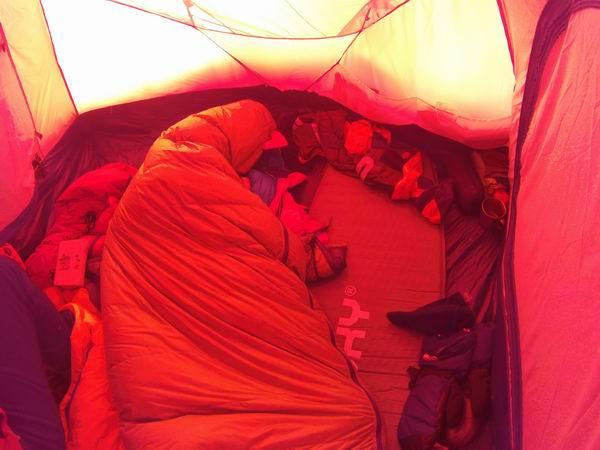 Pavel alszik (C2-ben, lefelé jövet)